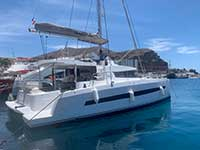 Paseo Catamaran a vela exclusivo de manana